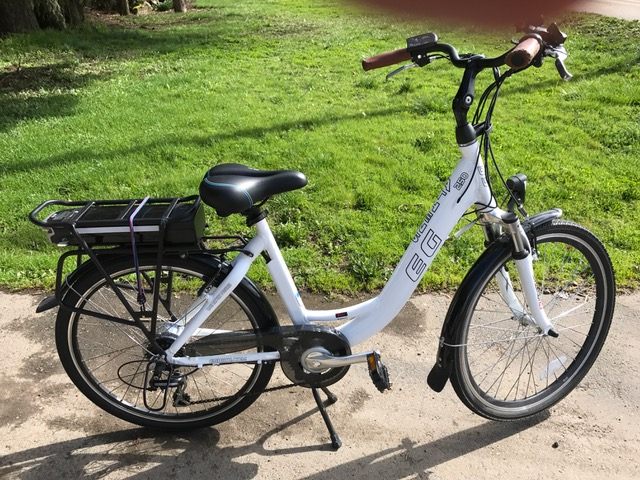 EG Athens 250 bike provided with Zero Emissions Bike Tours